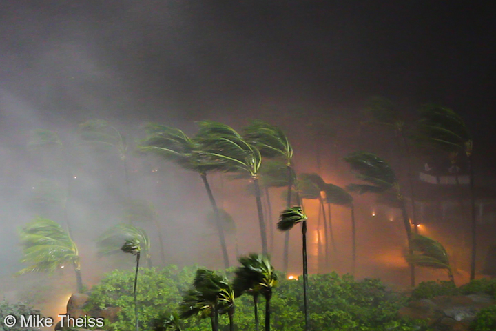 Hurricane Winds Video as Hurricane Force Winds