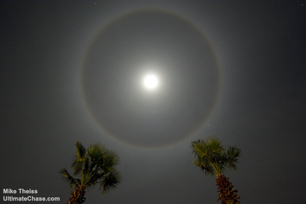 Do you believe there are UFOs and aliens?  - Page 2 Moon_Rings_01