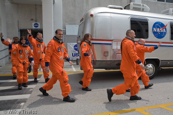 space shuttle endeavour astronauts - photo #17